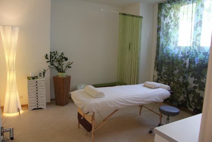 Behandlungsraum Eingang Naturheilpraxis